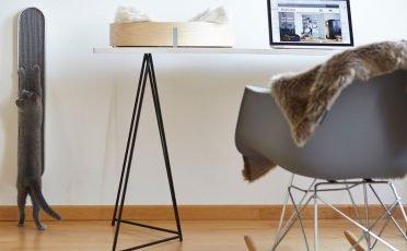MiaCara Lana Cat Blanket in Taupe