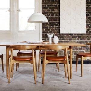 Carl Hansen - CH20-Dining Chair - Oak Laque - Tan Seats