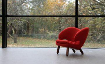 House of Finn Juhl Pelican Lounge Chair in red