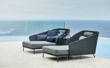 Cane-line Mega Outdoor Daybed in Dark Grey with Light Grey Cushions